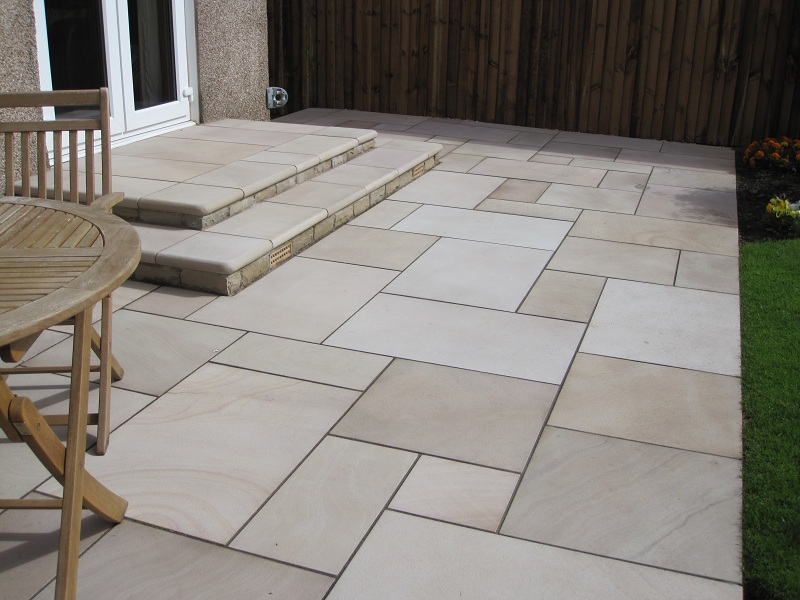 Marshalls Fairstone Sawn riven antique Paving Autumn Bronze