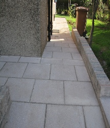 garden landscaping example of paving